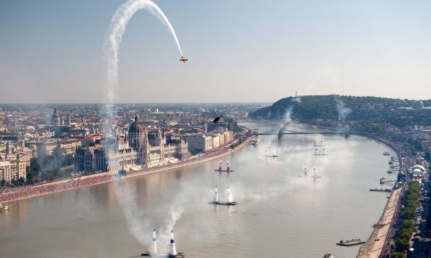Wow! Check out Budapest as pilots see it from the air – VIDEO