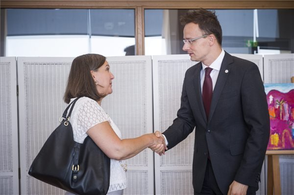 Szijjarto discusses energy security, open issues with Nuland