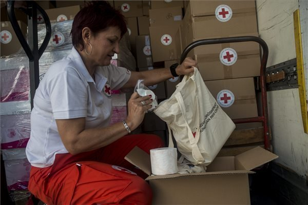 Hungarian Red Cross launches aid for migrants
