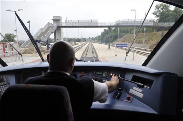 Hungary, China sign Budapest-Belgrade railway upgrade agreement