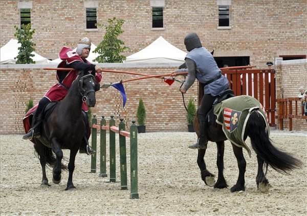 Knight Tournaments Square handed over in Miskolc