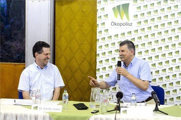 Kover, Schiffer debate Hungary current affairs