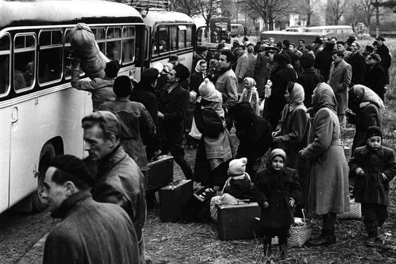 Szijjarto: Hungarians in 1956 incomparable to current mass migration