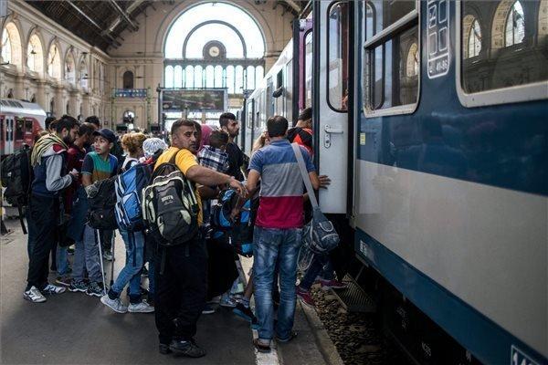 Migrants at Keleti station number 2,000