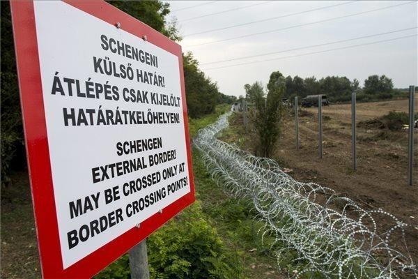 Foreign minister: V4 seeking alternative strategies for protecting Schengen