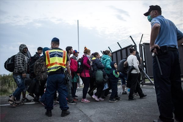 Europe's immigration policy jeopardises unity, says foreign minister