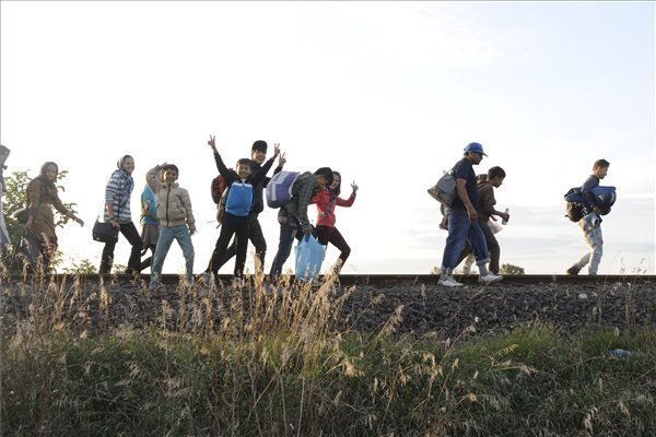 More than 2,500 migrants enter through southern border illegally