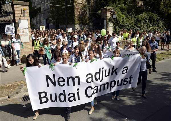 Protest staged against restructuring of Corvinus university