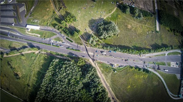 Roszke border station closure causes truck traffic congestion at Tompa crossing