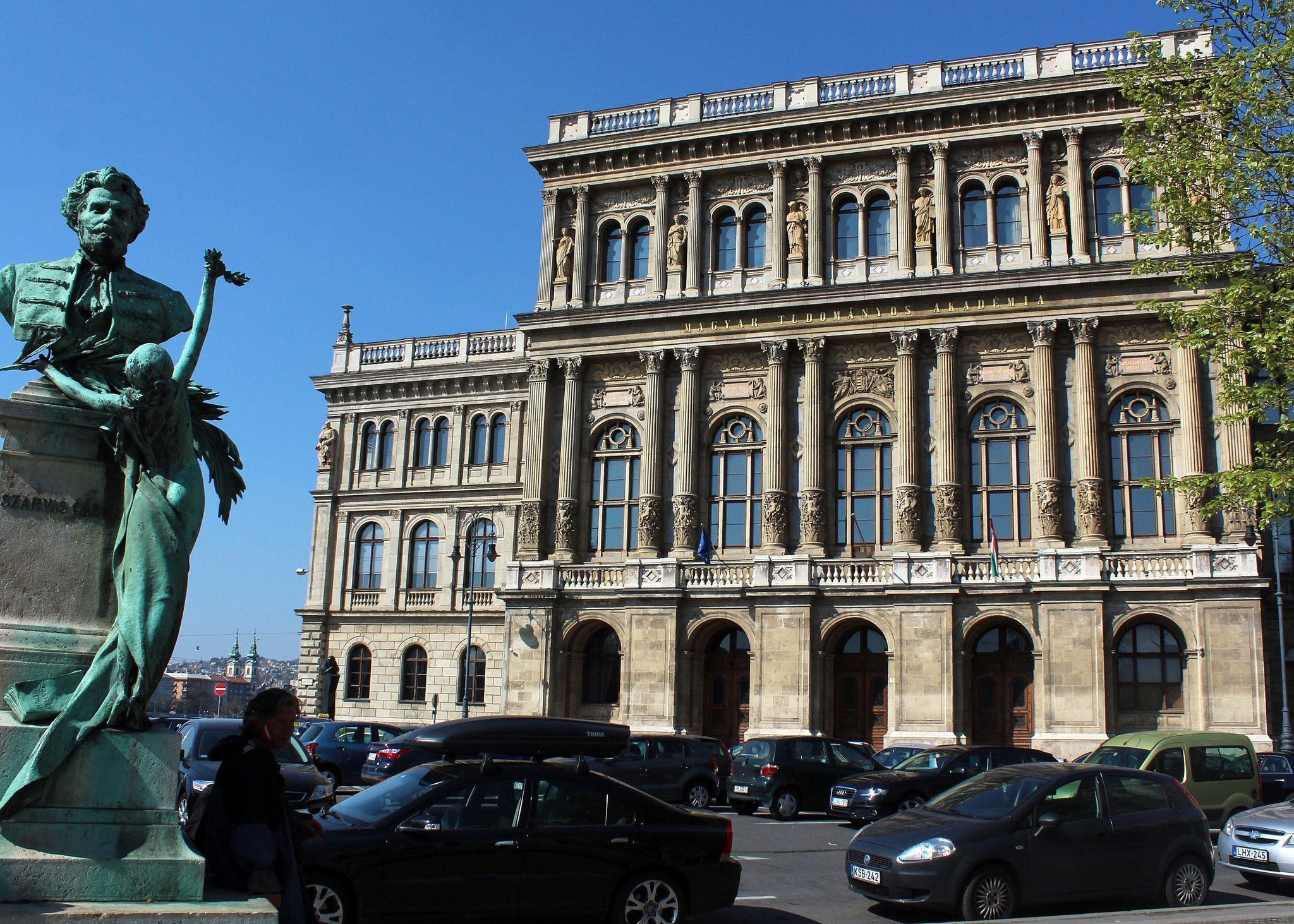 The Hungarian government to suppress the independence of the Academy of Sciences, says Academy Staff Forum