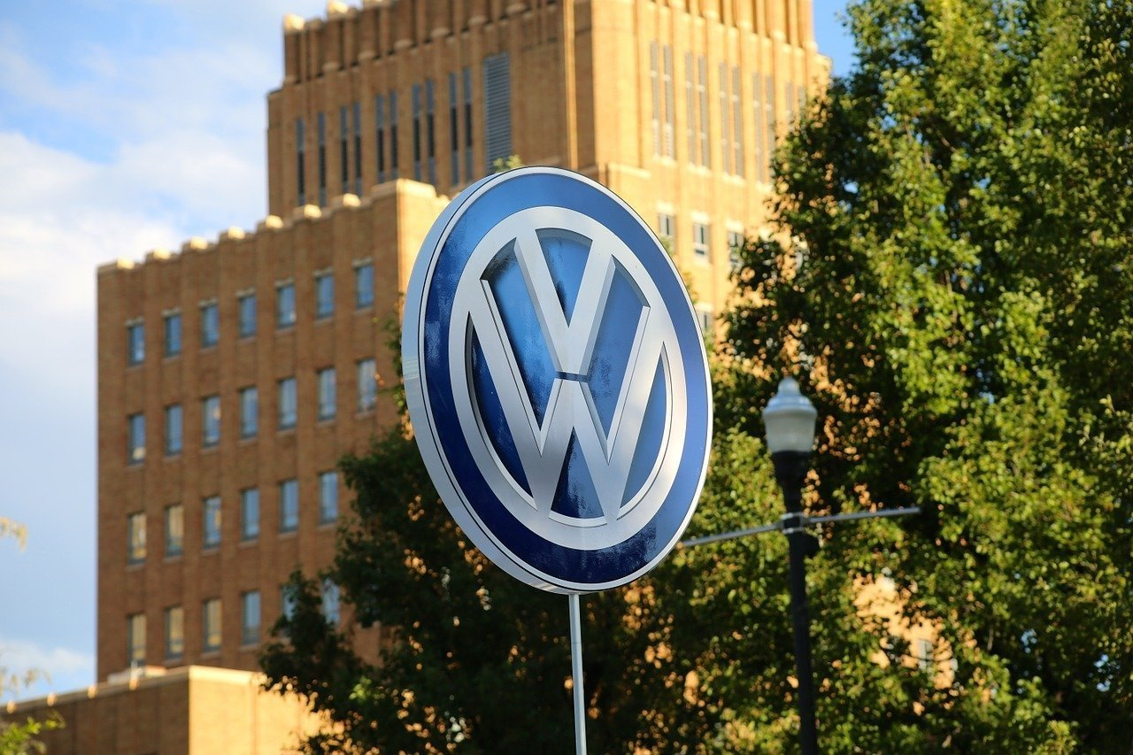 No evidence Hungary lost on Volkswagen emission scandal, says ministry