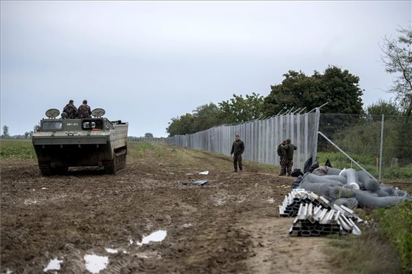 Czech Republic sends troops and Poland sends a helicopter to help defending the Schengen border in Hungary