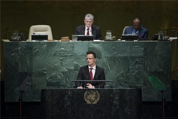 Szijjarto: Migration pressure will increase
