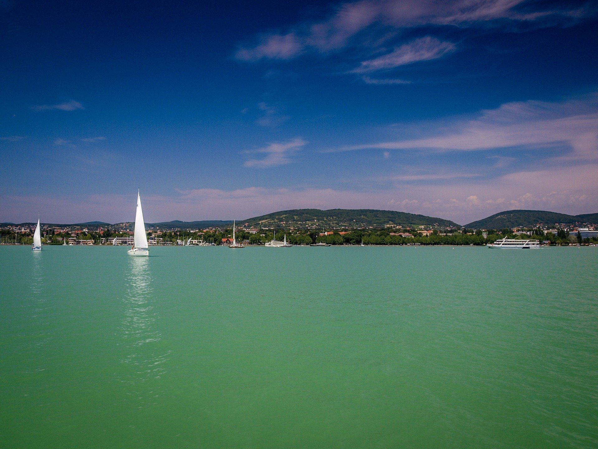 Fight for free beaches at Lake Balaton