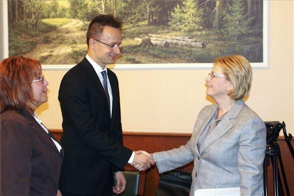 Szijjarto calls for urgent agreement on transatlantic community, Russia