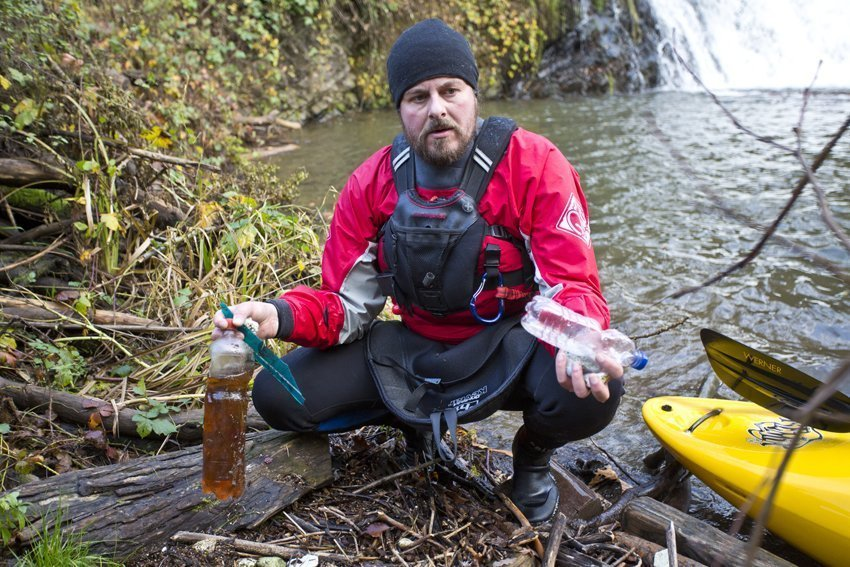 """I think the earth is a great gift"" – interview with Stephan Horch, a rubbish-collecting-kayaking-photographer"