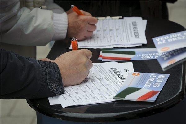Top court rejects appeals against migrant quota referendum