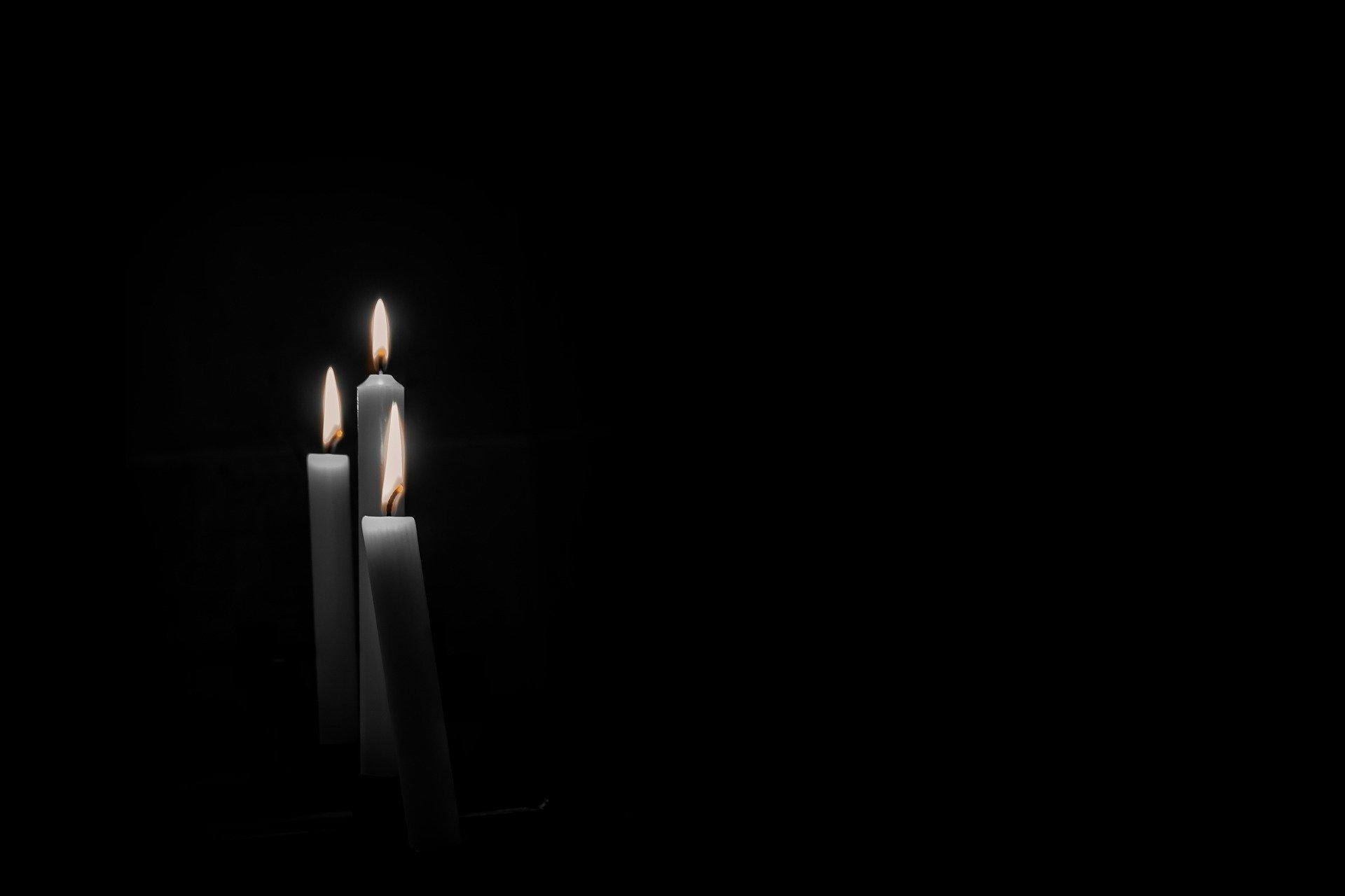 candles-condolence