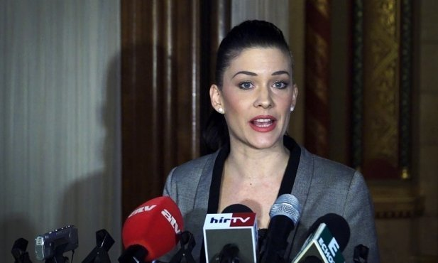 Socialists accuse Fidesz of wanting to build 'loyal armed group'