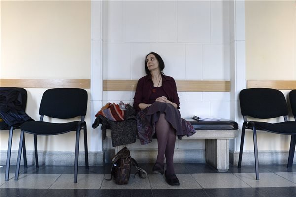 Budapest court gives homebirth midwife suspended prison sentence
