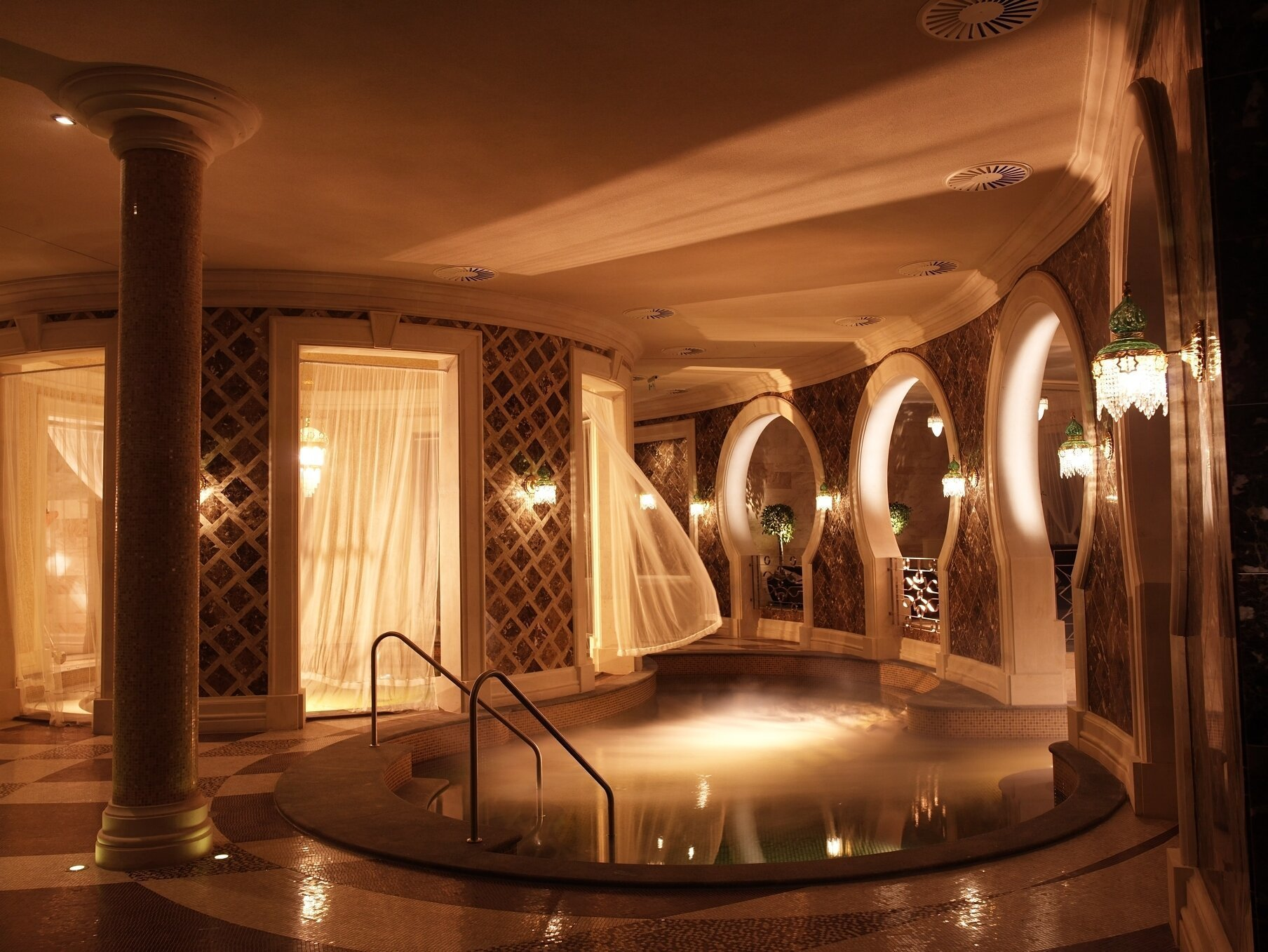 The 10 best hungarian wellness hotels daily news hungary for Wellness hotel