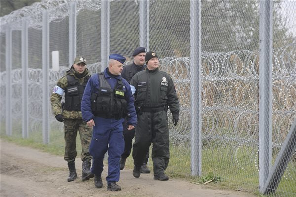 Polish unit helping Hungary-Serbia border controls concludes mission