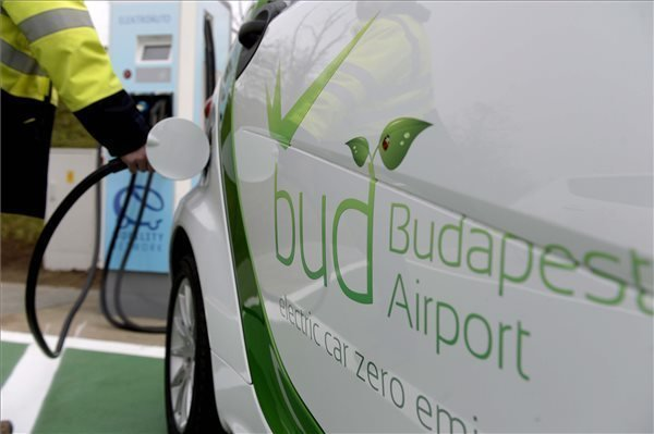 Government promises Hungary to become regional leader in electromobility