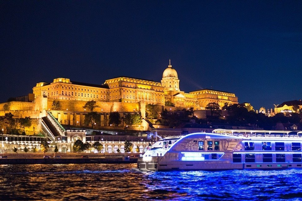 6 of the best routes for boat trips in Hungary