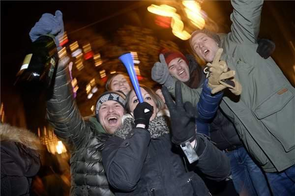 Hungarians lose tens of thousands of smartphones at New Year