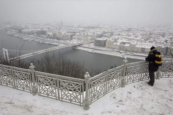 Snow causes disruptions throughout Hungary –  Snowy pictures