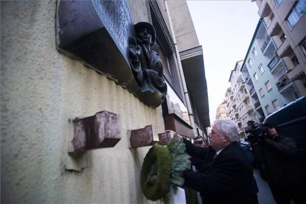 Commemoration held for liberation of Budapest ghetto, Wallenberg