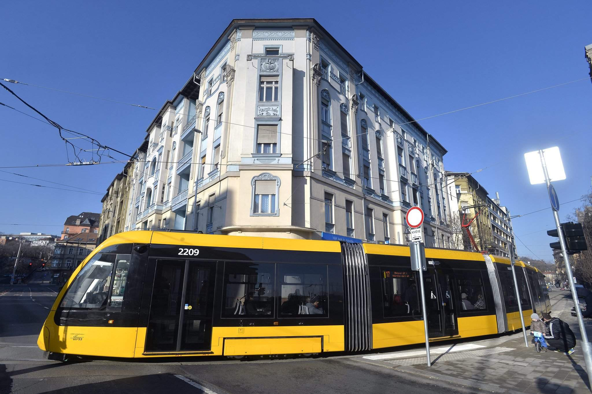 New intertwining tram network became operational in Budapest – Photos