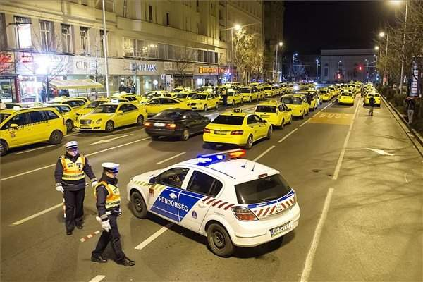 taxi demonstration2