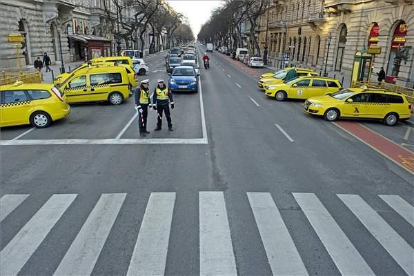 taxi demonstration3