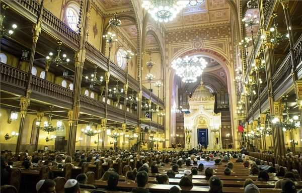 Budapest ghetto liberation commemorated in Great Synagogue