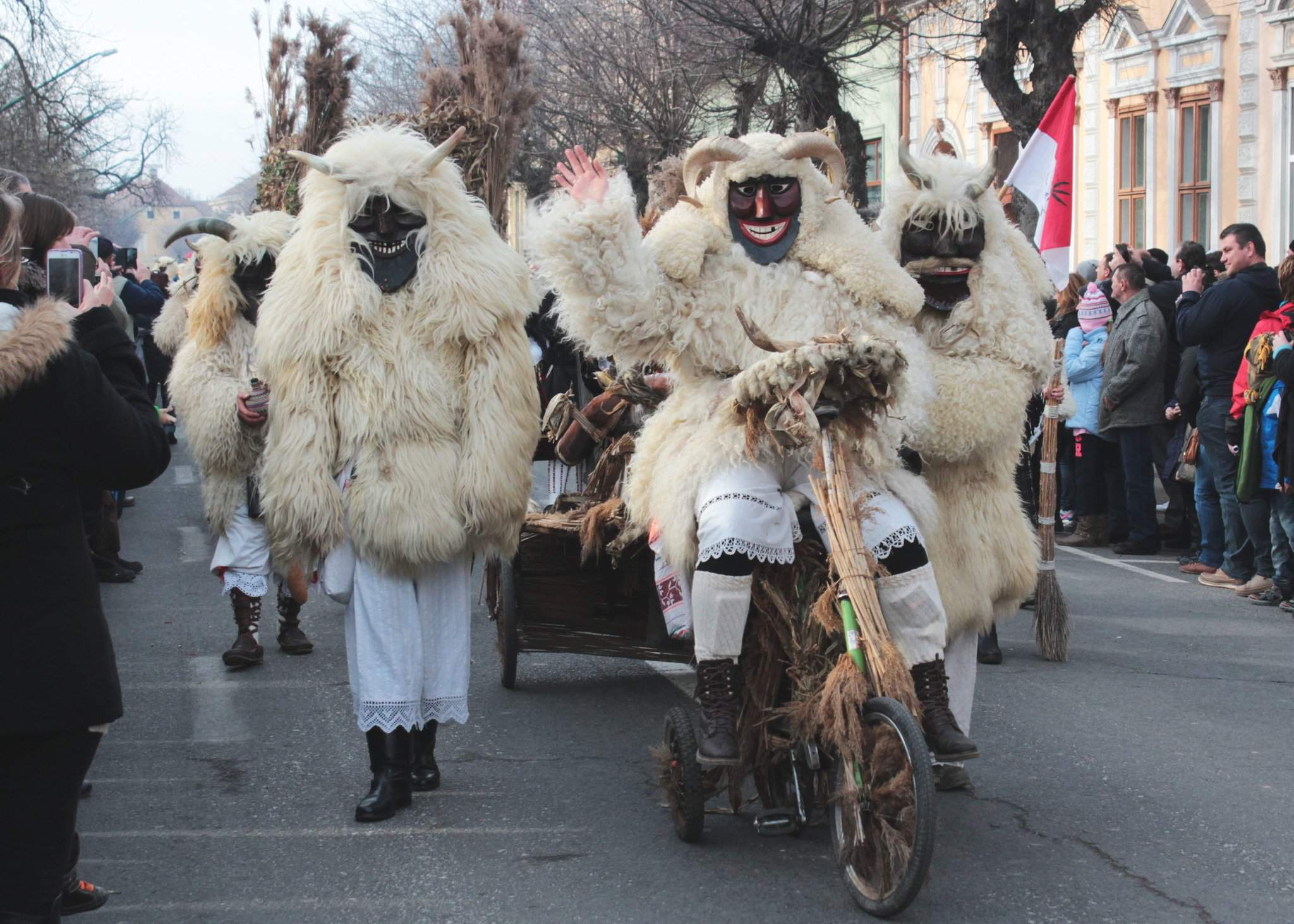 Busójárás starts today – thousands dress up in masquerade to drive away winter