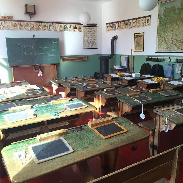 school classroom student education