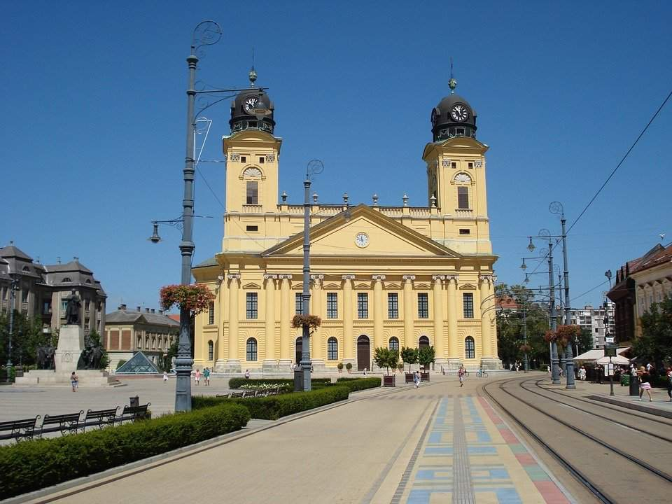 America turned its attention to the brutal Debrecen transport network