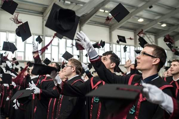 Admission to the best business schools – impossible for Hungarian students?