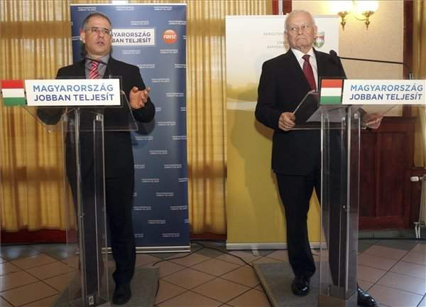Fidesz calls for day of debate over migration
