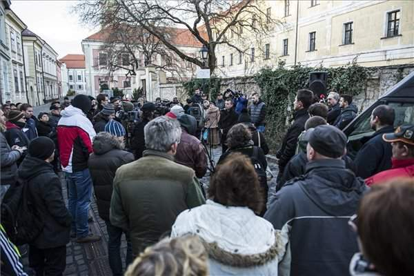 Local protesters show outrage over red-sludge court ruling