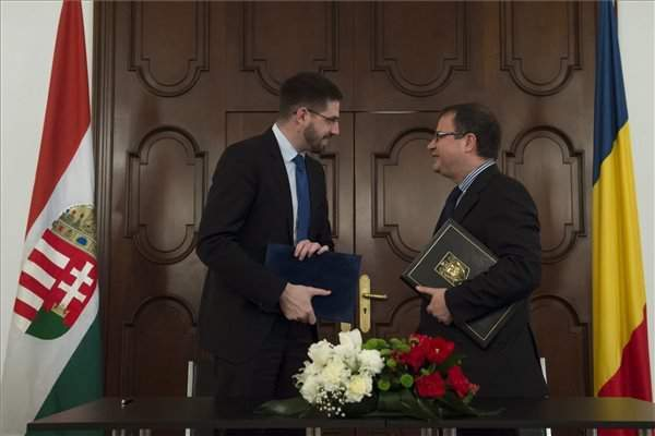 Hungarian, Romanian government leaders agree to advance energy, transport projects