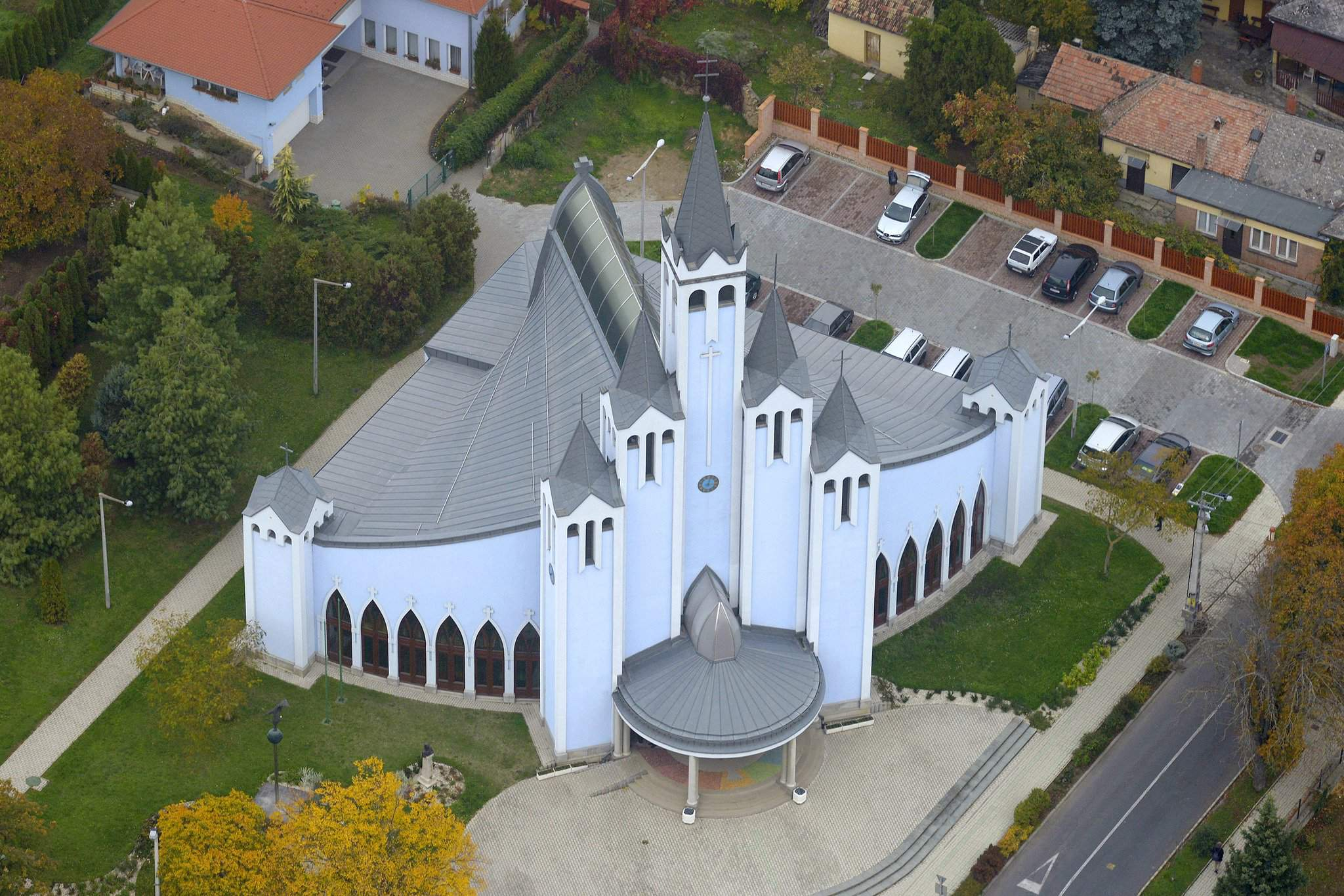 The most modern looking Hungarian churches – PHOTOS
