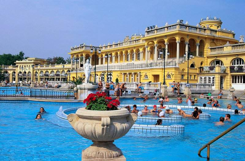 The Széchenyi Bath is the international thermal bath of the year