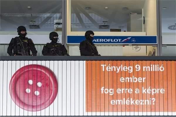 terrorism-budapest-police-tek-airport-3