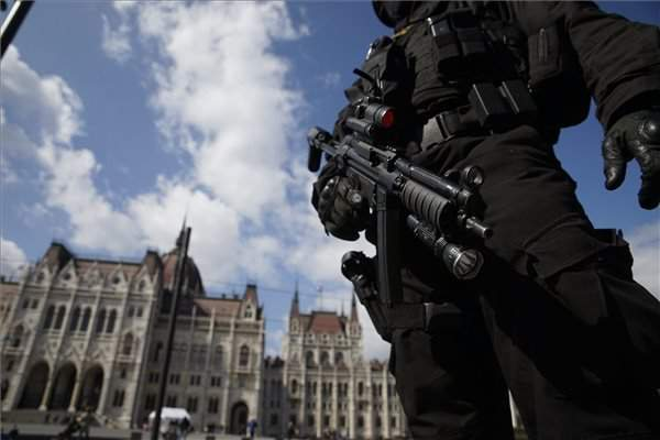 Hungarian government: No plan to heighten terror alert