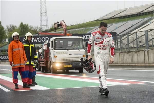 Unlucky turn for local WTCC hero Norbert Michelisz at Hungaroring