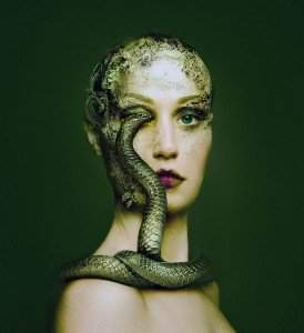 flora borsi snake