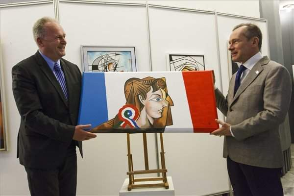 French-Hungarian painting pays tribute to Paris terrorist attack victims