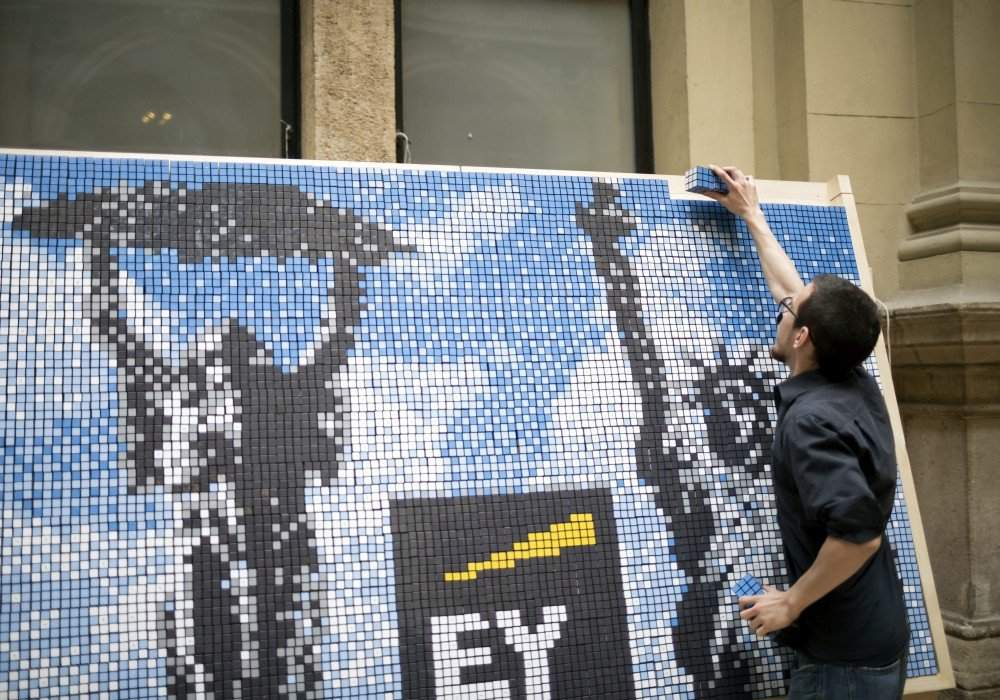 Students of Corvinus University built a picture-wall using 1000 Rubik cubes